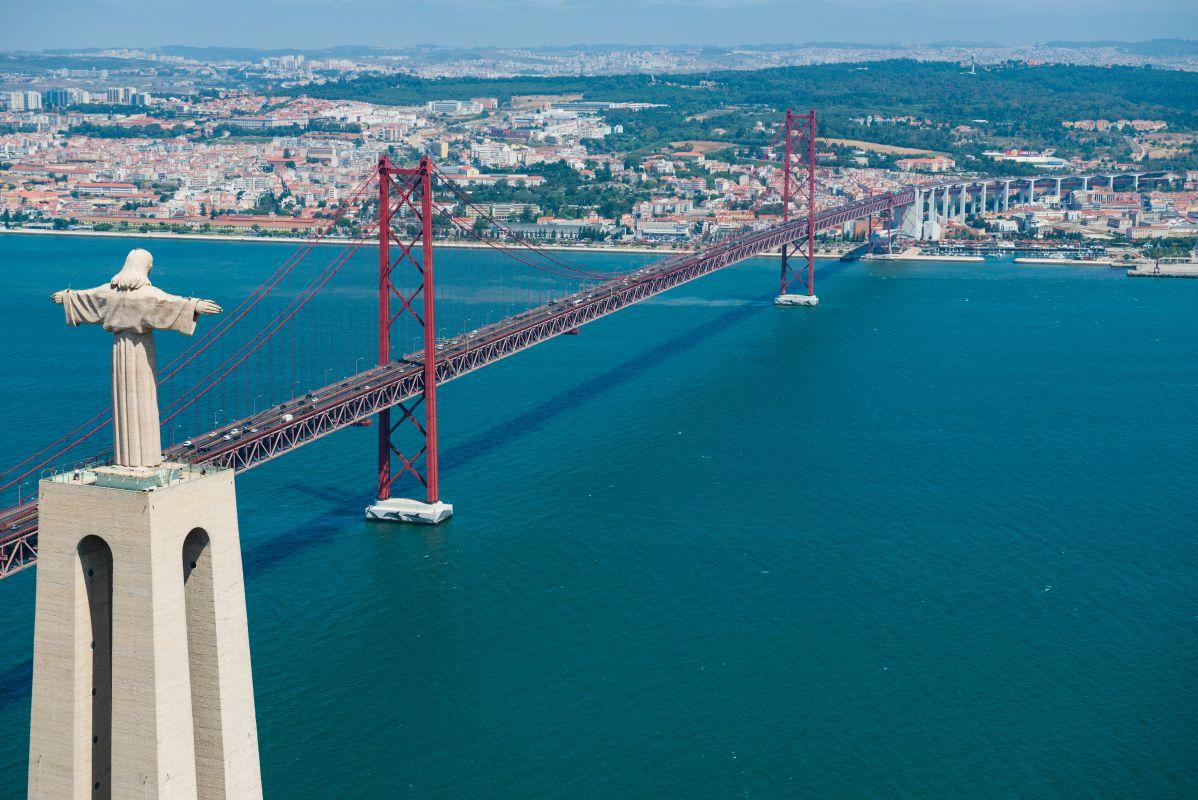 Bridge of 25 of April