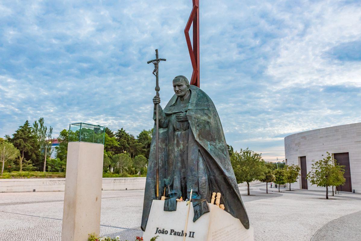 Statue du Pape Jean Paul II